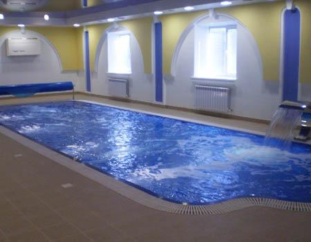 переливной бассейн в доме