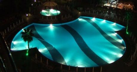 Светодиодные светильники для бассейнов