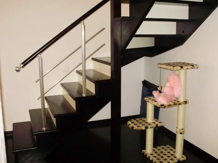 Поручни лестницы