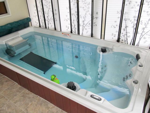 Компактный многофункциональный СПА-бассейн в ванной комнате
